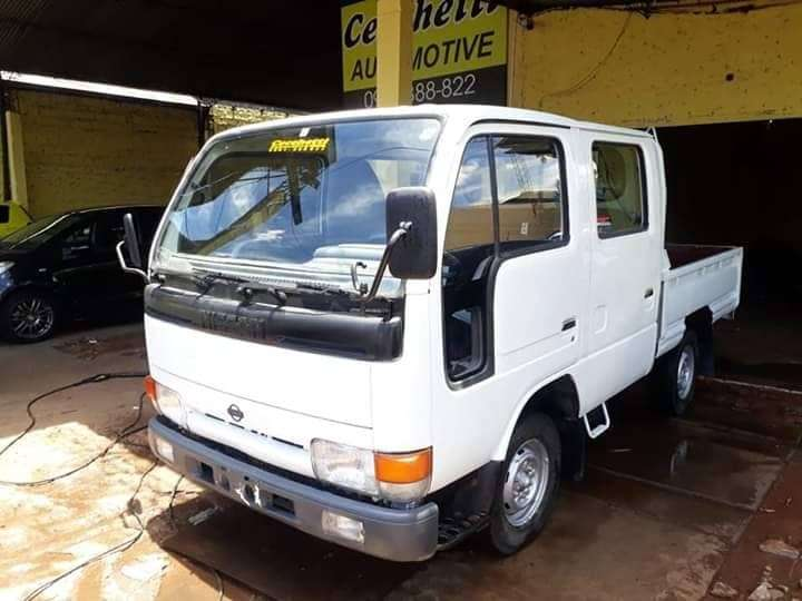 Nissan Atlas doble cabina 1992 - 0