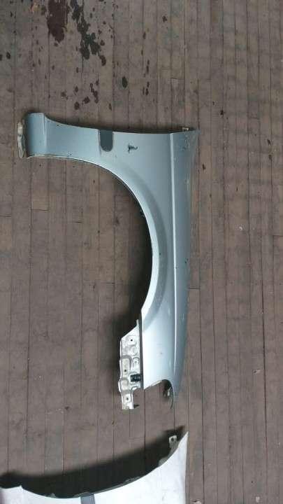 Guardabarro para nissan b15 gris - 0