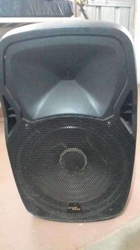 Caja de sonido y parlante - 0