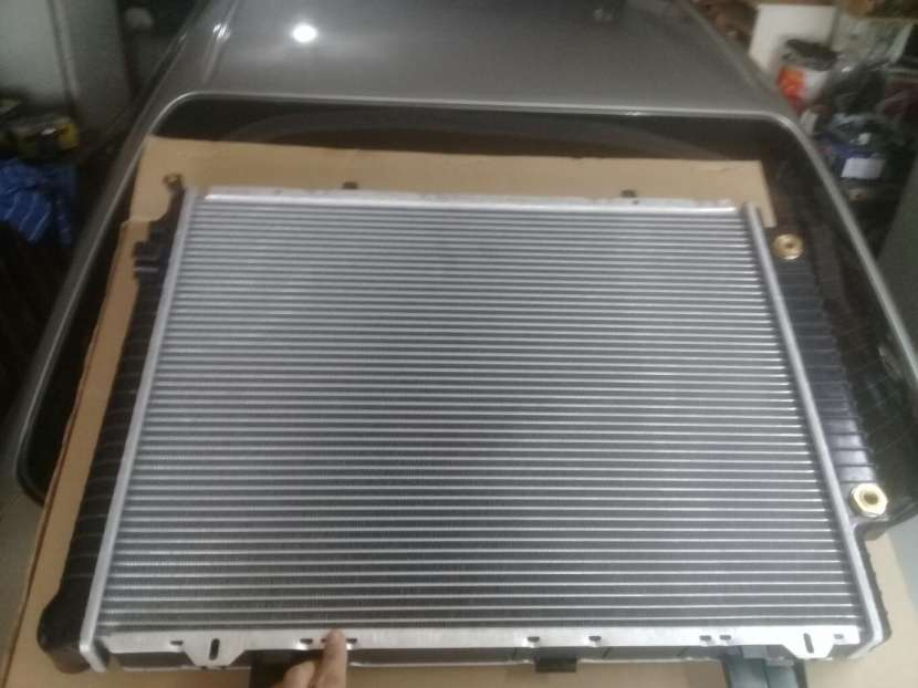 Radiador para Mercedes Benz C250 Turbo Diésel - 1