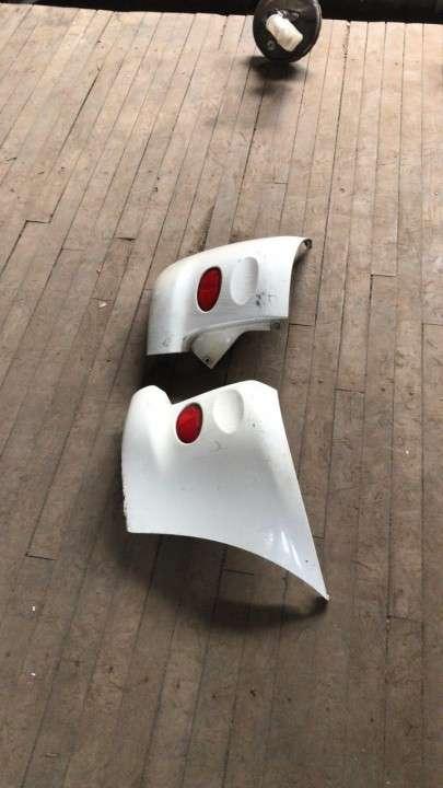 Puntera de paragolpe para toyota funcargo (Blanco) - 2