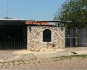Casa en Curva Romero Luque J4056