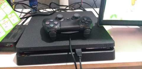 PlayStation 4 de 500 gb - 1