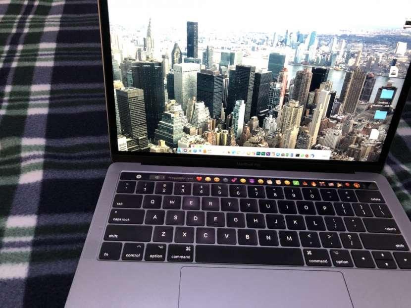 Macbook Pro 13 pulgadas Touchbar 2017 - 4