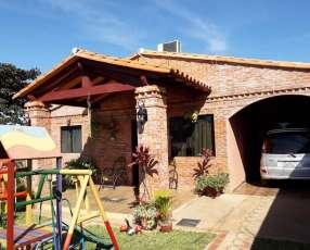 Casa en el centro de Villa Elisa