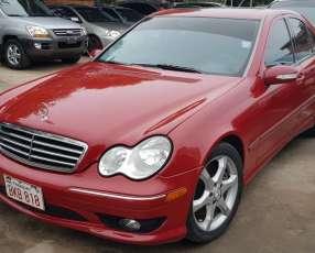 Mercedes Benz C230 rojo 2007