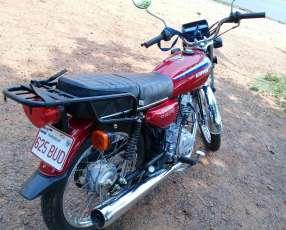 Moto Kenton
