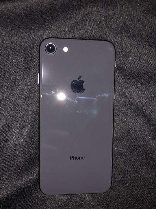 iPhone 8 - 1