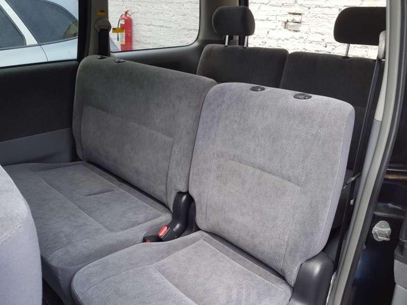 Toyota Voxy 2004 - 5