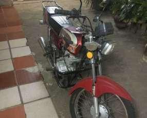 Moto Leopard