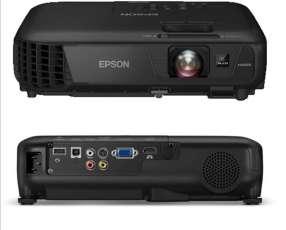 Proyector Epson HDMI de 3000 lúmenes LCD