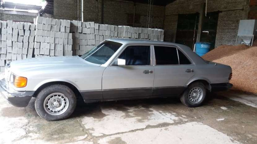 Mercedes Benz 1981 - 8