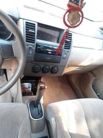 Nissan Tiida 2004 - 2