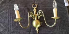 Lámpara de pared antigüa de bronce