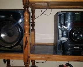 Equipo de sonido Sony con control remoto