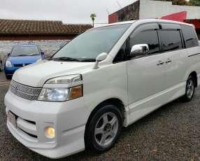 Toyota Voxy 2005