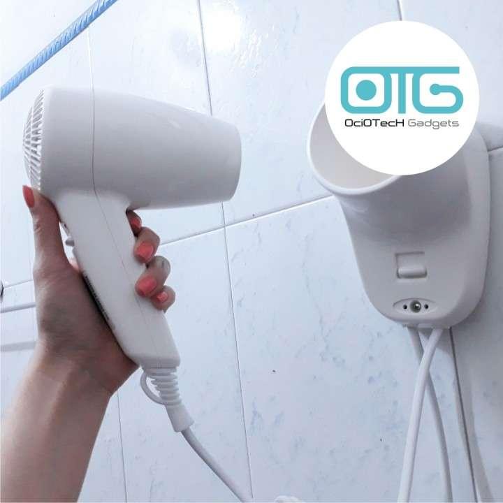 Secador de cabello con soporte para pared - 1