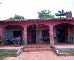 Casa en Atyrá E2241