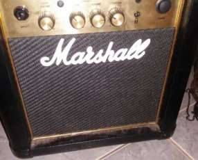 Amplificador Marshal MG10CF