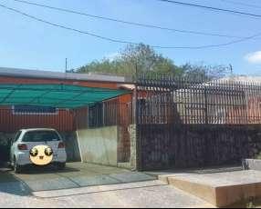 Casa en Fernando de la Mora F3156