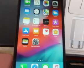 iPhone 8 PLUS de 256 gb libre en caja con accesorios.
