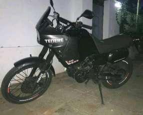 Moto Yamaha Tenere 600cc