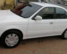 Nissan Sunny 2002