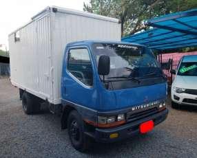 Mitsubishi Canter 2000