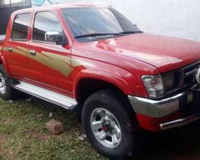 Toyota Hilux 2002