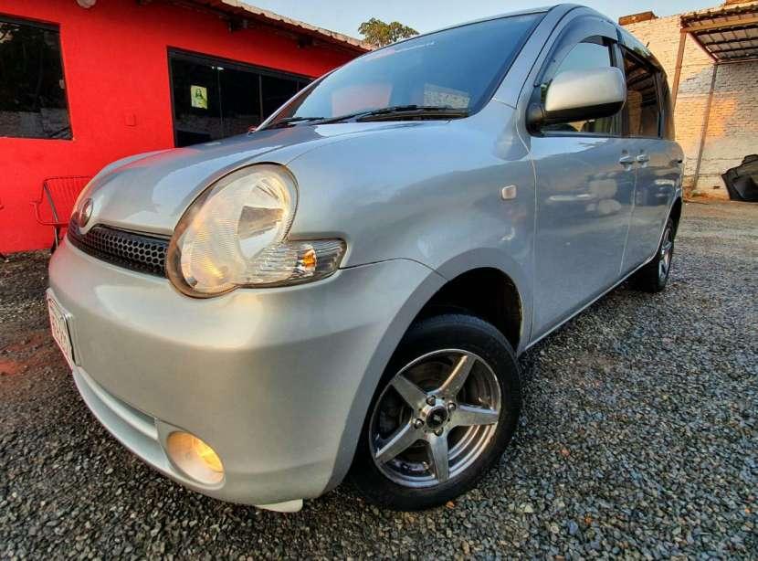 Toyota Sienta 2005 - 4