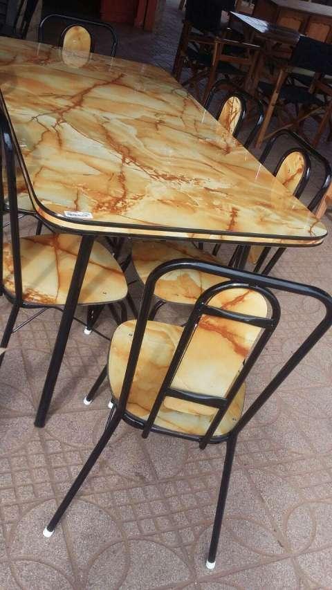 Comedor de 4 sillas - 0