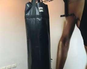 Bolsa de boxeo y soporte
