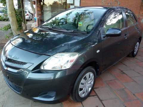 Toyota Belta 2008 chapa definitiva en 24 Hs