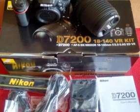 Cámara Nikon D7200 (lente 18-140mm)