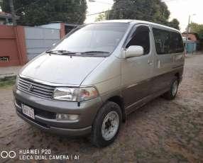 Toyota Regius 1999
