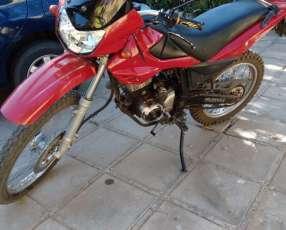 Moto Kenton Dakar motor 150 cc