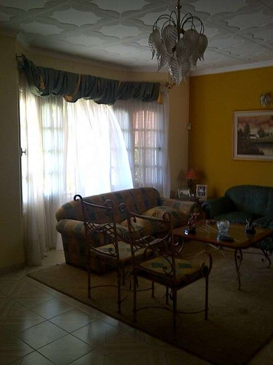 Casa en Asunción, en el barrio Los Laureles - 2