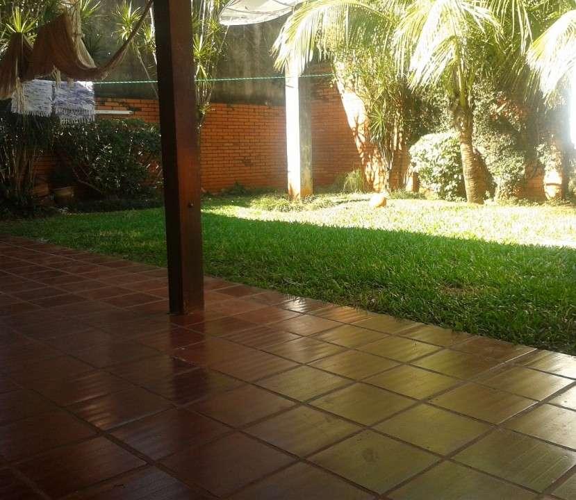 Casa en Asunción, en el barrio Los Laureles - 3