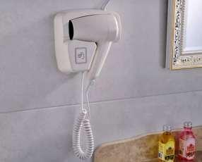 Secador de pelo con soporte de pared