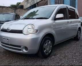Toyota Sienta 2006