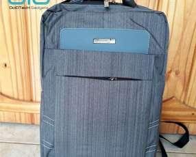 Mochila para notebook con cargador