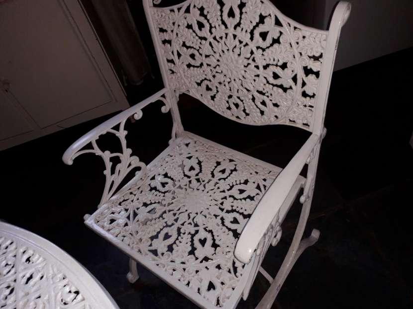 Mesa redonda de hierro para jardin con 4 sillas - 3