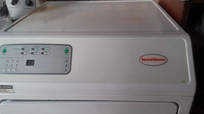 Secarropa industrial para lavanderia Speed Queen - 3