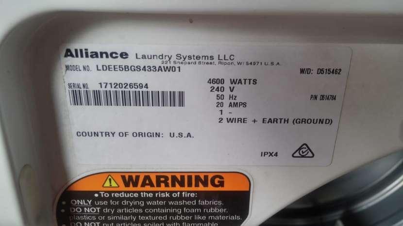 Secarropa industrial para lavanderia Speed Queen - 2