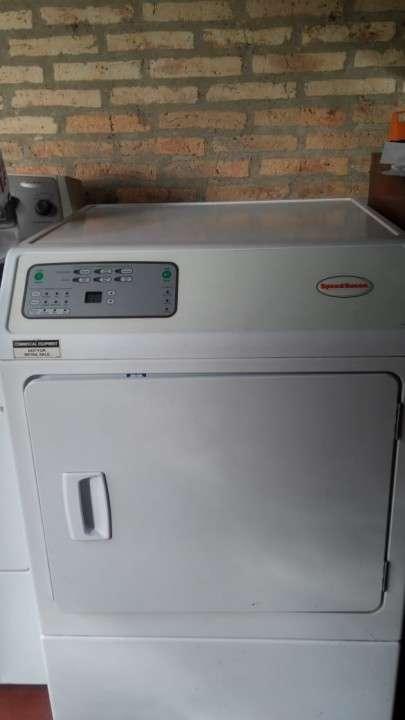 Secarropa industrial para lavanderia Speed Queen - 0
