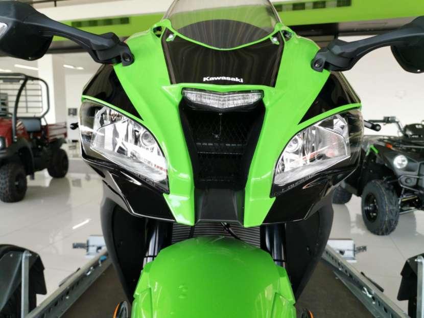 Moto Kawasaki zx10r 2019 - 1