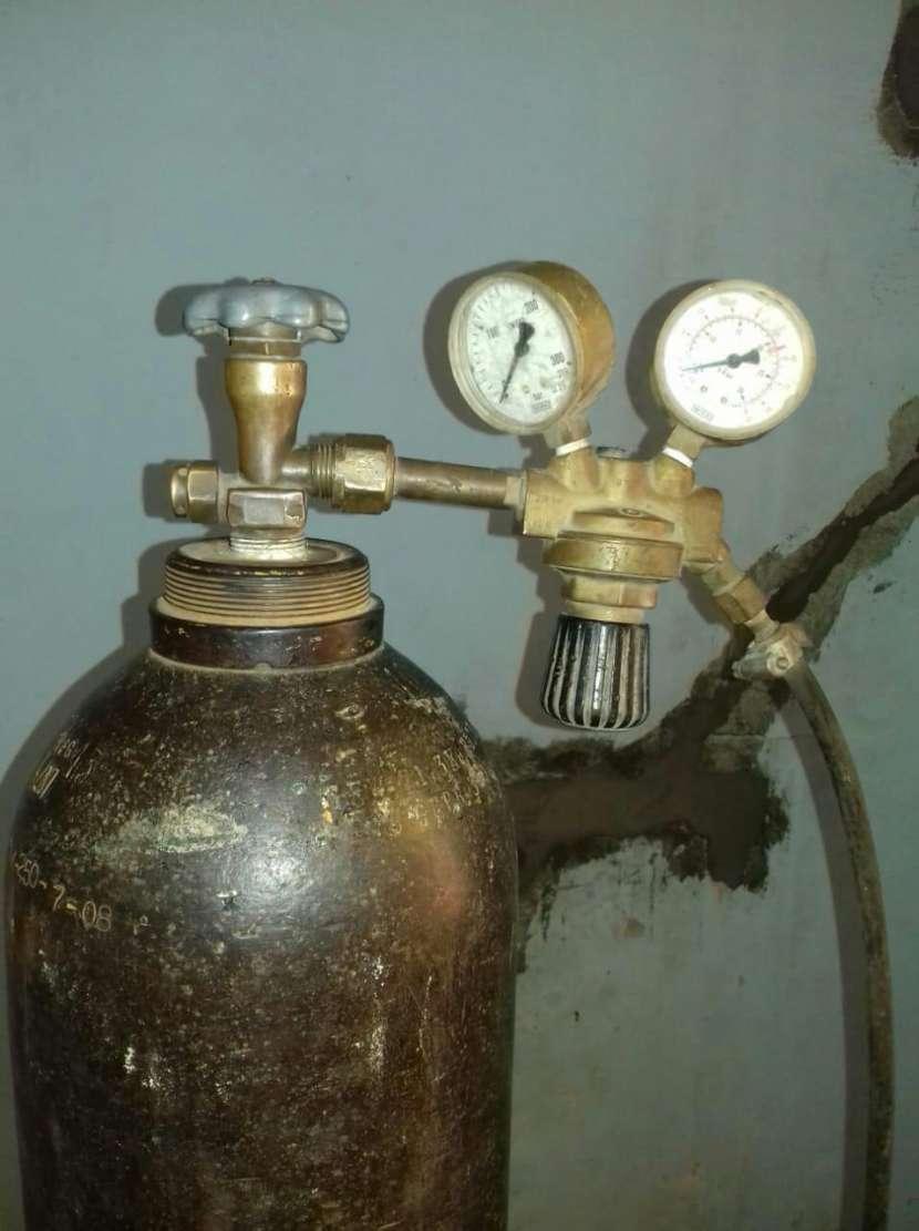 Tubo con manómetro - 1