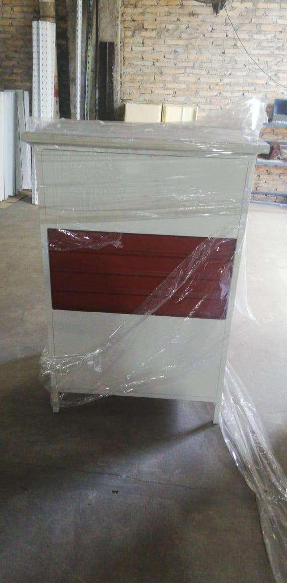 Mostradores estantes y góndolas - 3