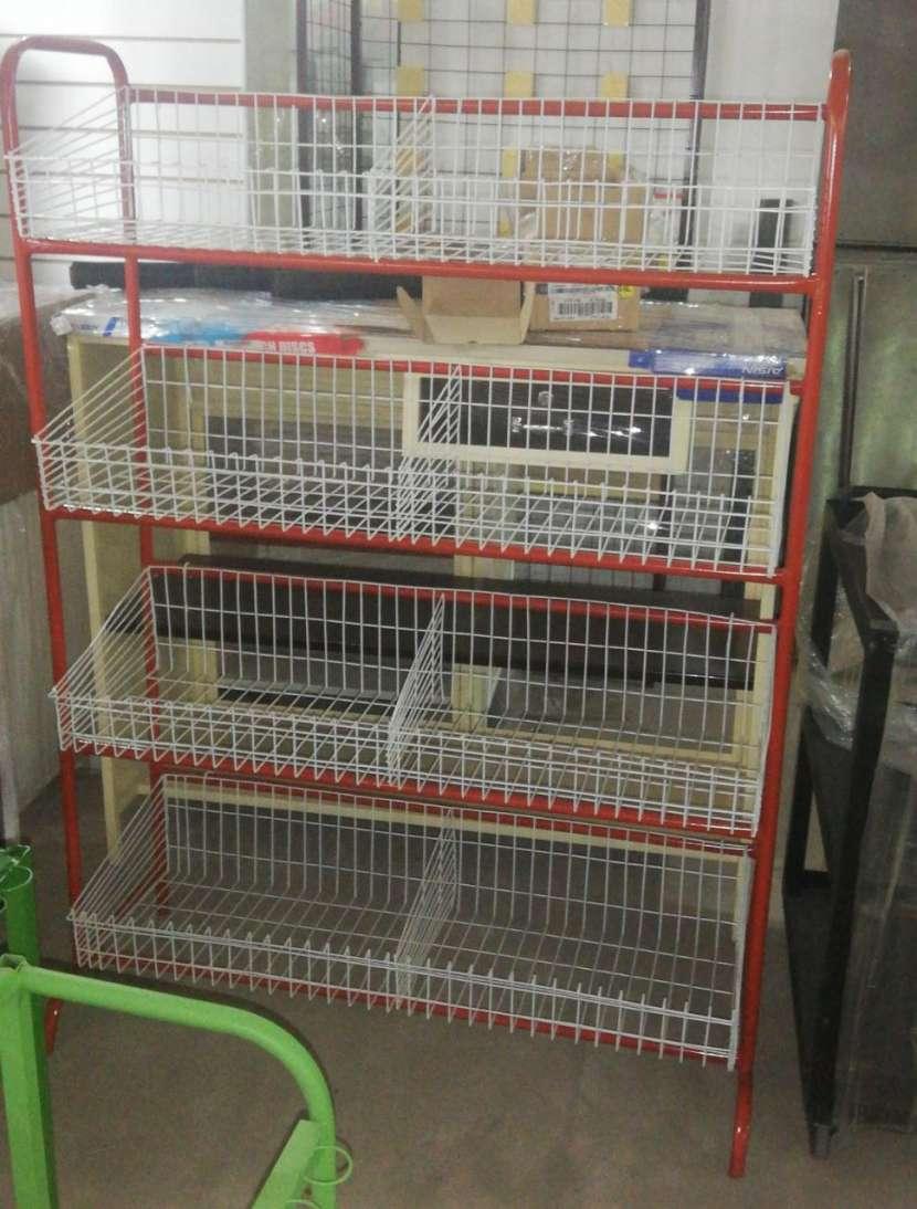 Mostradores estantes y góndolas - 8