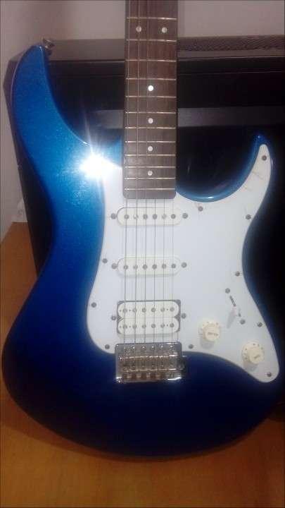 Guitarra Yamaha Pacíficica PAC 012 - 2